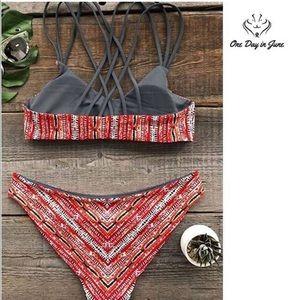 Cupshe Swim - CUPSHE Reversible Design Strappy Back Bikini Small